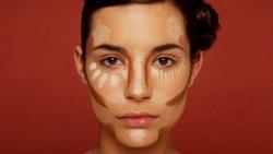 كيفية نحت الوجه طبيعيا في وقت قصير