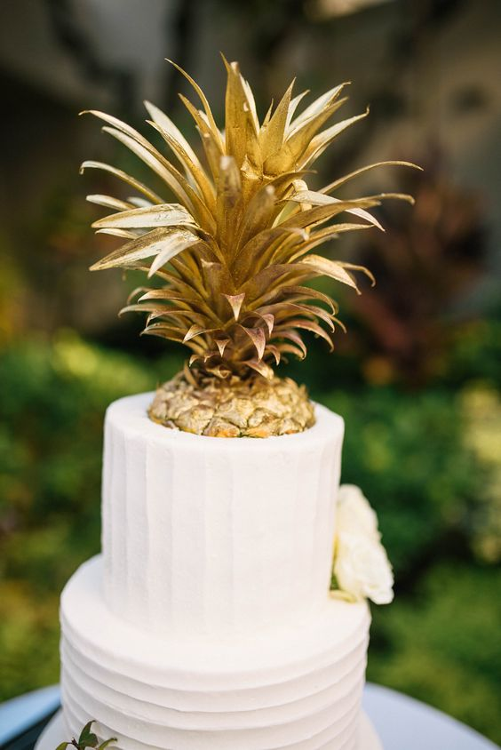 Beautiful Tropical Wedding Cakes For Your Summer Wedding