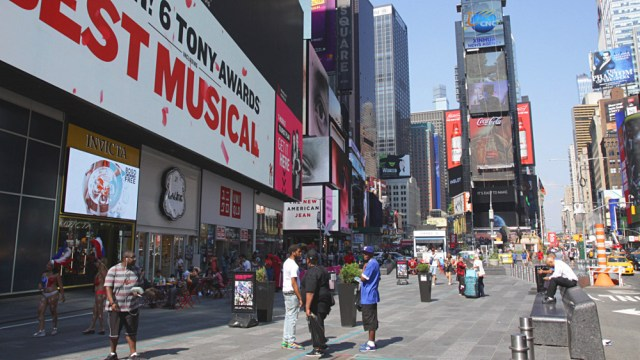 broadway-times-square-new-york.jpg