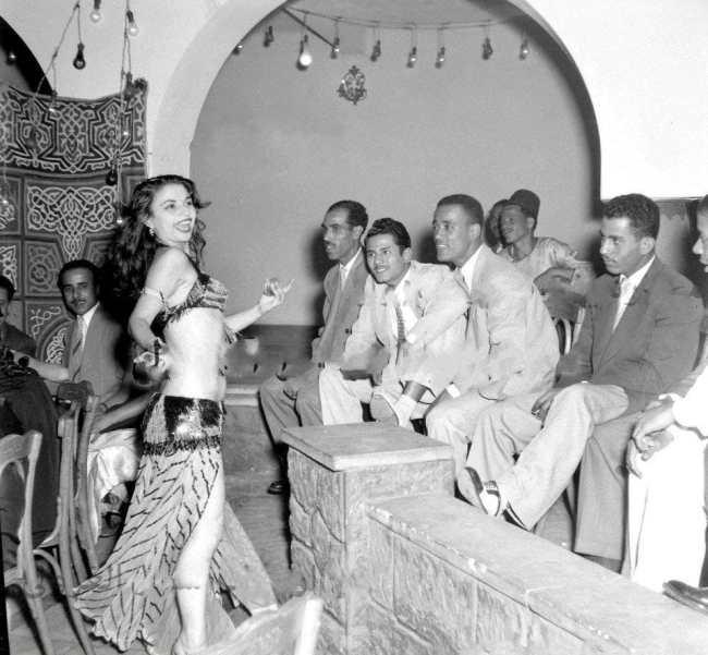 قدمت كيتي العديد من العروض الفنية في الإسكندرية قبل قدومها بصحبة أسرتها للاستقرار في شارع عماد الدين بالقاهرة