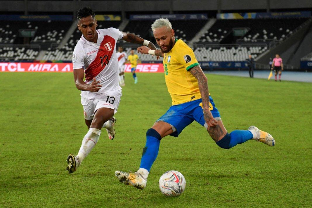 Neymar scores again to edge closer to Pele's Brazil record