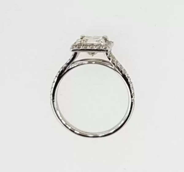 2.05 Ct Princess Cut FVs2 Diamond Solitaire Engagement Ring 18K White Gold 4