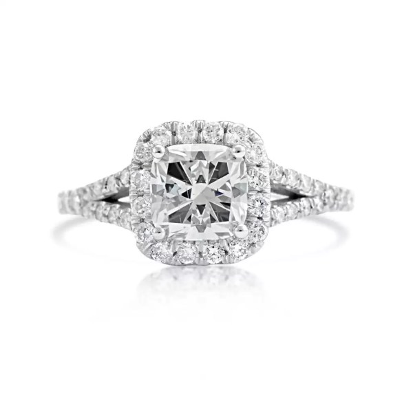 2.40 Ct Cushion Cut DVs2 Diamond Solitaire Engagement Ring 18K White Gold 2