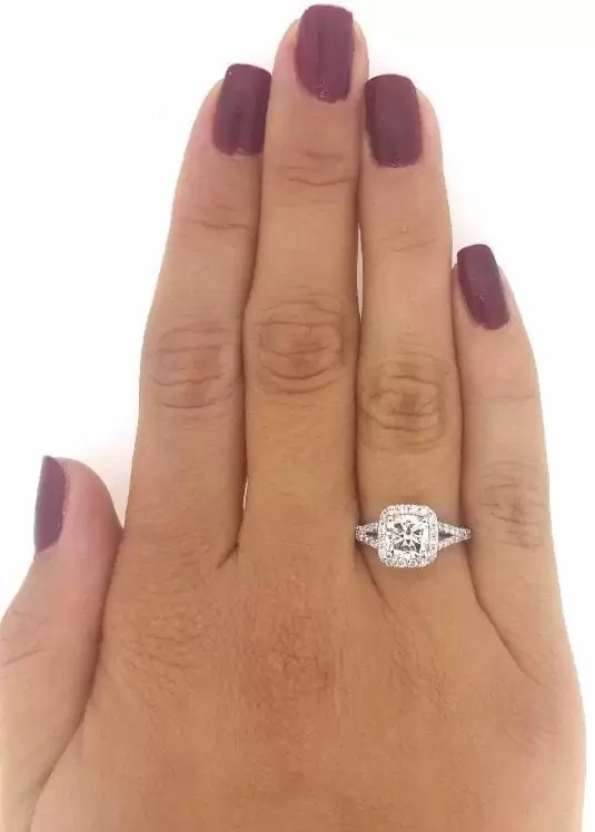 2.40 Ct Cushion Cut D/Vs2 Diamond Solitaire Engagement Ring 18K White Gold