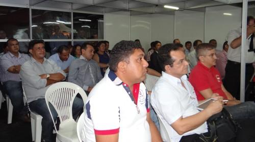 Público presente ao encontro