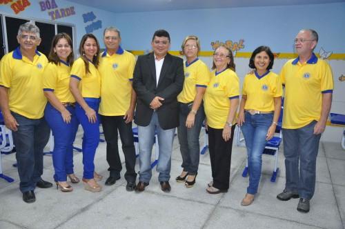 Prefeito Kerginaldo com membros do Lions Clube Macau