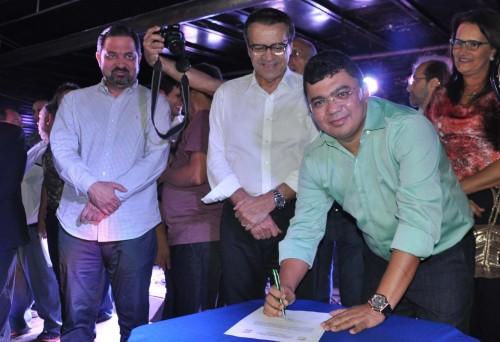 Prefeito Kerginaldo assina ordem de serviço para inicio da UPA