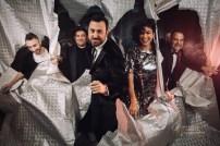 Parte del equipo de Aragon Musical. Foto, Jal Lux