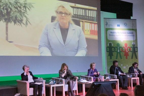 Así se vio el vídeo con la intervención de la Ministra lituana, Algimanta Pabedinskiene