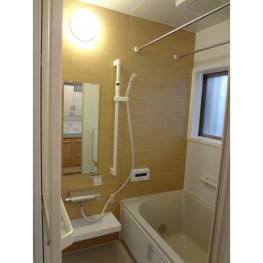 天井に浴室換気乾燥暖房システムを搭載しました。 冬でも暖かく安心です。