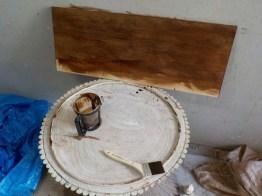 木目を活かすために、オイルステインにて塗装。