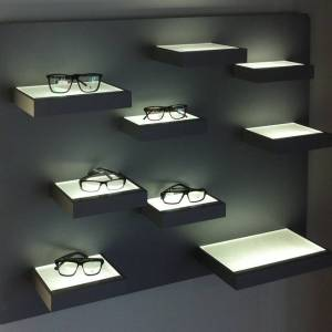 Etagères lumineuses pour lunettes