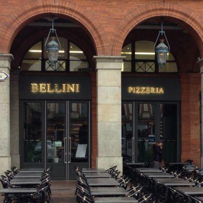 Brasserie Le Bellini situé en plein centre de Toulouse, place du Capitole