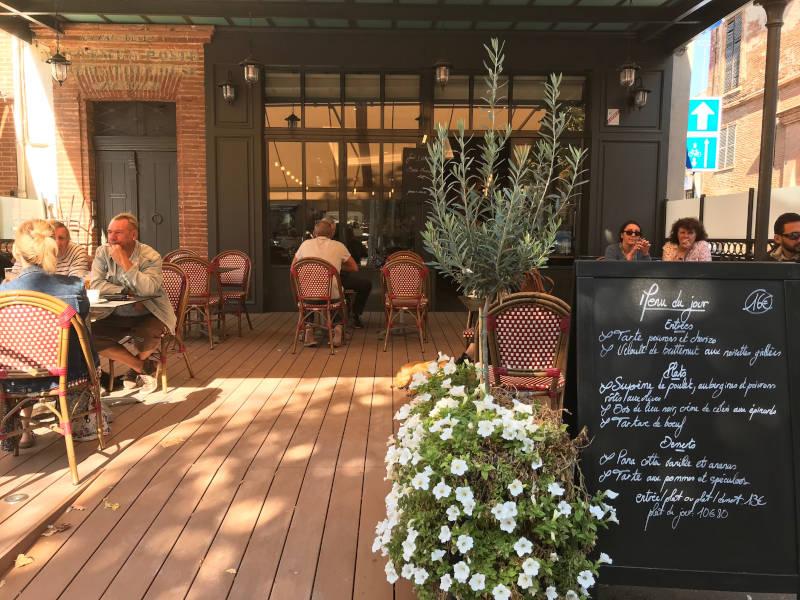 Façade de la Brasserie restaurant le Renaissance