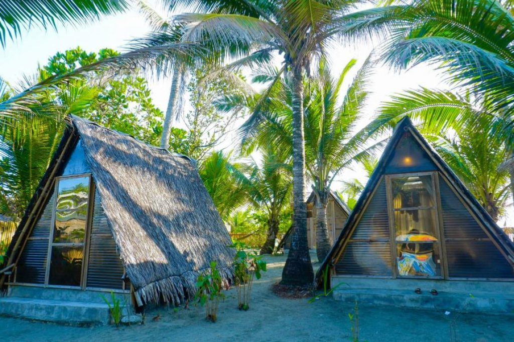 """ALT=""""the teepee huts in balituk  that look so relaxing"""""""