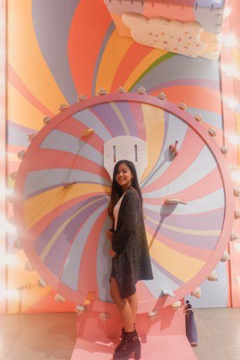 """ALT=""""the dessert museum and its color wheel"""""""