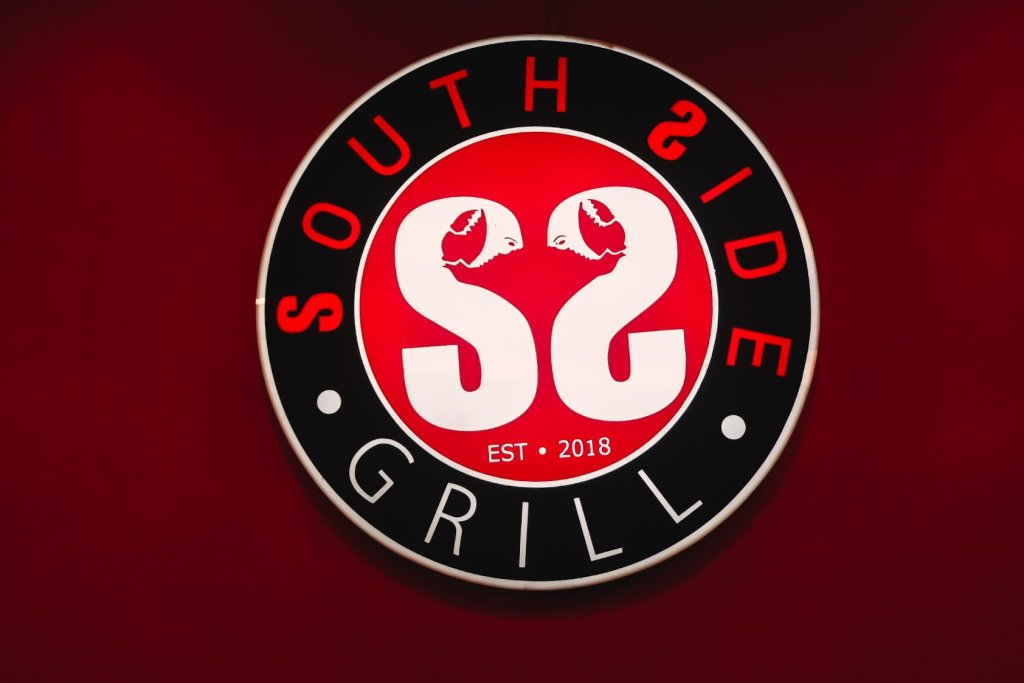 """ALT=""""this is the sign of southside grill in las pinas"""""""