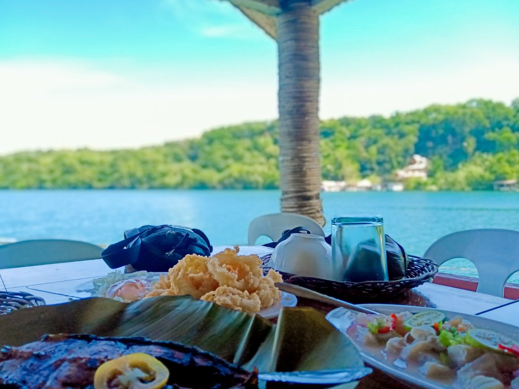 """ALT=""""a seafood floating restaurant in camiguin island"""""""