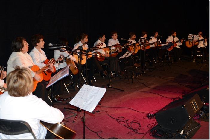 M sica y bailes animaron a cerca de mil adultos mayores de for Casa de musica temuco