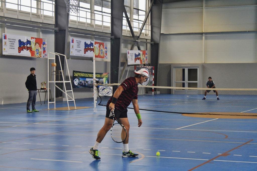 083d6406139 Con más de 70 tenistas de la región de la Araucanía provenientes de Padre  las Casas