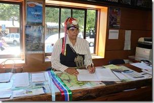FOTO informadora turística mapuche 1
