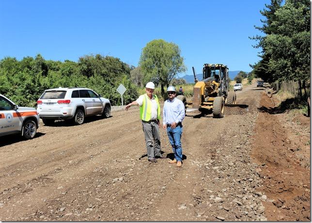 Director regional de Vialidad efectuó visita de inspección en Camino Lautaro – La Colonia (2)