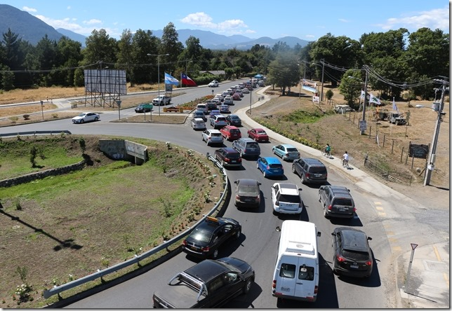 FOTO congestión vehicular pucón 1