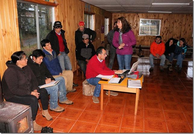conservación en caminos de acceso a comunidades Miguel Chauquepán y Bernardo Ñanco de Victoria (2)