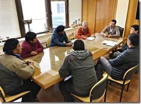 Director de Vialidad se reúne con Lonko y dirigentes de Comunidad Miguel Cheuquepán de Curacautín (1)
