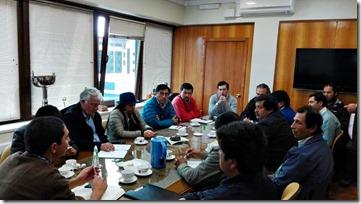 Reunión de trabajo Vialidad Araucanía con Asociación de Municipalidades con Alcalde Mapuche (1)