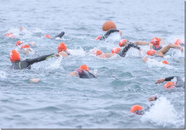 La carrera promocional incluye 375 metros de natación, 10 kms. de bicicleta y 2,5 kms. de trote.