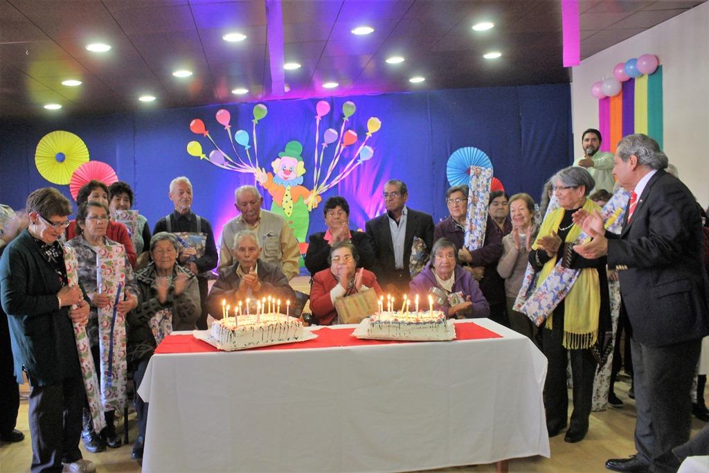 Municipio Saucino Celebra Cumpleanos A Adultos Mayores Araucania - Celebracion-cumpleaos-adultos