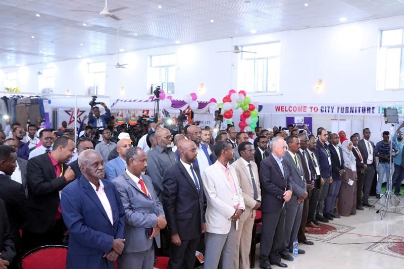 Madaxweynaha Somaliland Muuse Bixii oo xadhiga ka jaraya Carwadii sideedaad ee ganacsiga oo laga furay Hargeysa 9 Dec, 2018. Photo by, Araweelo News Network