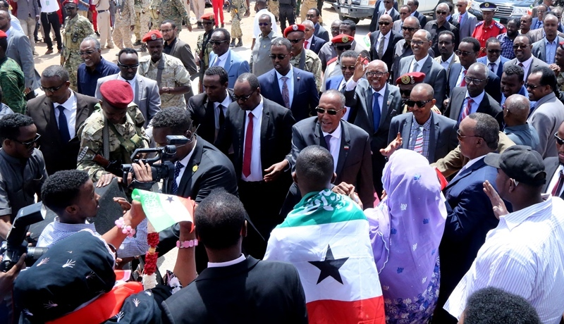 Madaxweynaha Somaliland oo kasoo laabtay safarka Guinea oo bqolaal shacbiga Hargeysa kusoo dhoweeyeen Caasimada  July 7 2019. Araweelo News Network