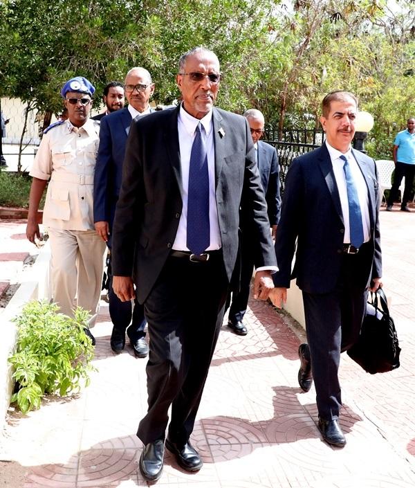 Madaxweynaha Jamhuuriyadda Somaliland, Mudane Muuse Biixi Cabdi iyon Maareeye-ku-xigeenka shirkadda DP World, ahna u qaybsamaha shirkadda ee Bariga dhexe iyo Afrika, Mudane Suhail Al-banna Hargeysa 10 Desember 2019. Araweelo News Network.
