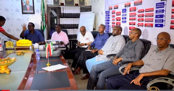 Somaliland Minister of Health, Omar Ali Abdullahi and members of the National Health Committee for the Prevention and Combating of COVID-19, 31 March 2020, Hargeisa Araweelo News Network.