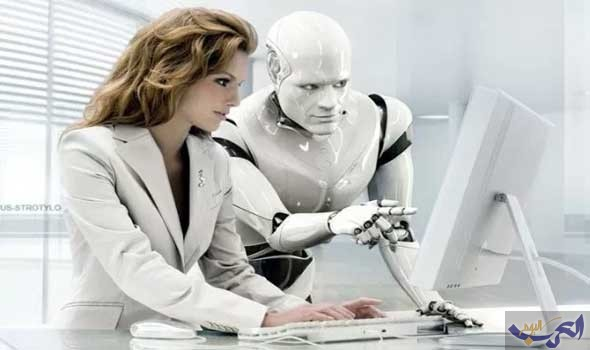 خبير يؤكّد أن إنسان المستقبل لن يستغنى عن الأجهزة في جسده