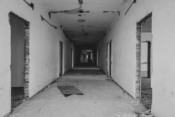 oud gebouw strippen