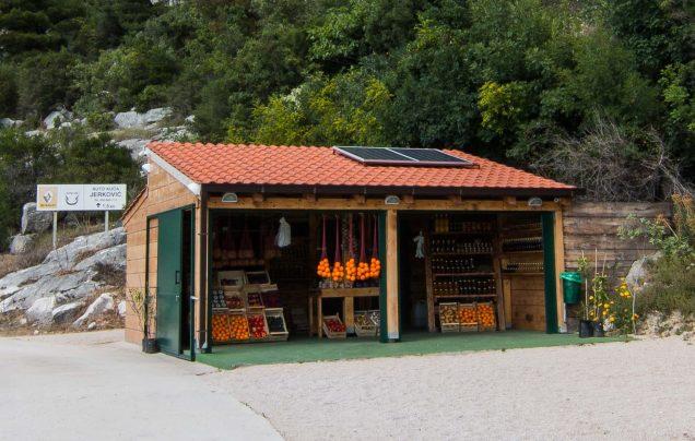 fruit stand, Croatia, things to do in Croatia, arboursabroad, Croatia guide