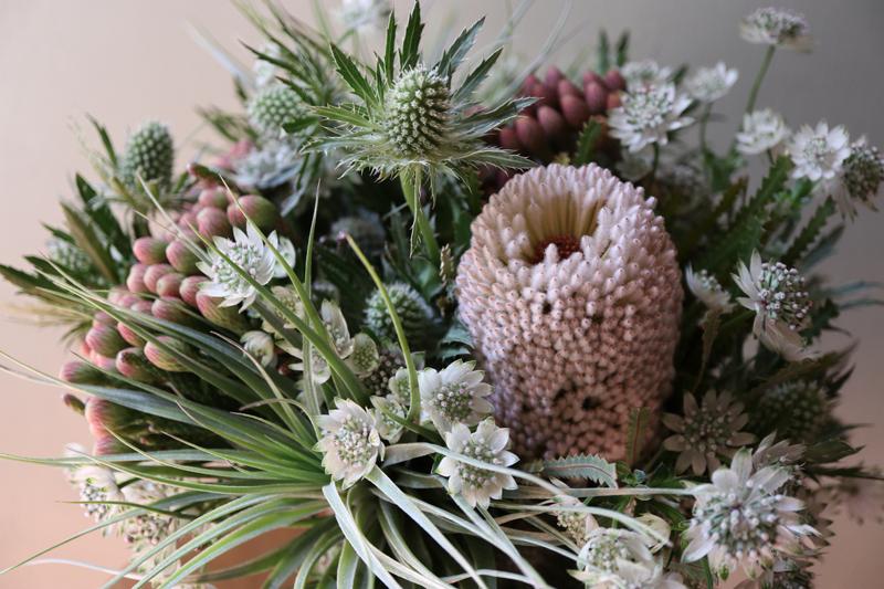 floral design, arrangement, alternative bridal, airplants, los angeles, neutral textures