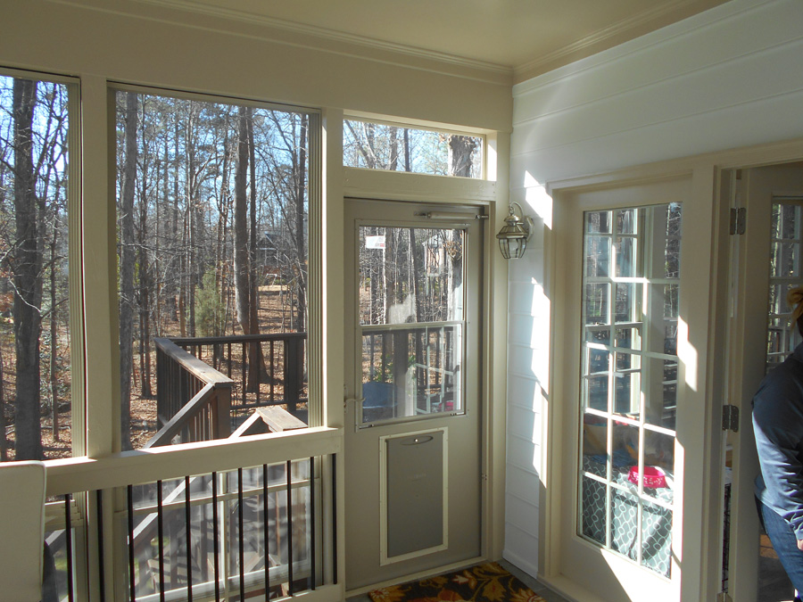 building porches and decks with pets in