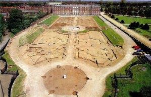 Hampton Court Palace and the Privy Garden.