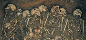 54299001-Mass-burial-St-Mary-Spital-(c)-Museum-of-London-Archaeology