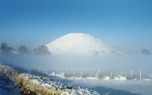 Silbury-Hill-in-the-snow