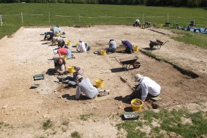 Excavations-at-Rocky-Clump-uncovering-an-Iron-Age-granary-building