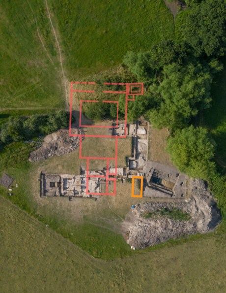 Photograph of the site with the Neronian bath complex outlined in red and the 'Claudian' building in yellow