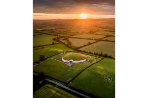 An-individual-buried-in-the-passage-tomb-of-Newgrange-was-the-result-of-an-incestous-relationship-(C)-Ken-Williams