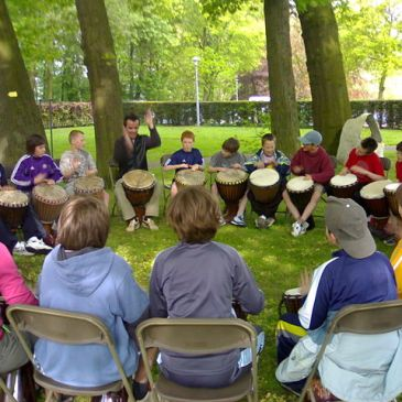 10 Awesome Benefits of Drumming