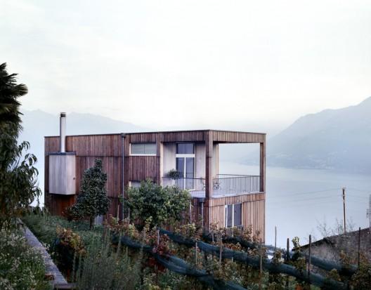 Casa Larga / Daniele Claudio Taddei