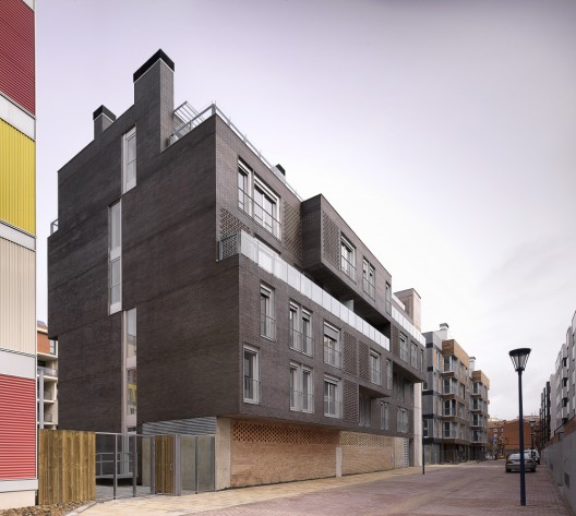 R1D Housing / a3gm © Jesús Granada